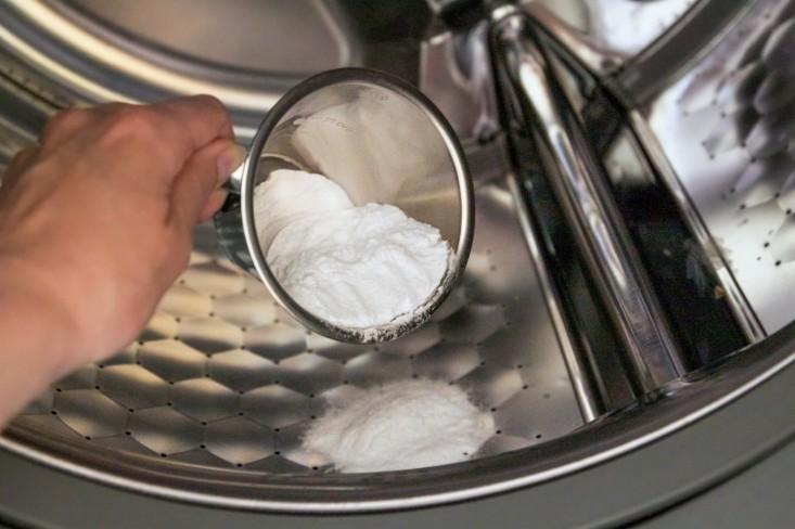 Cách vệ sinh máy giặt hiệu quả với baking soda