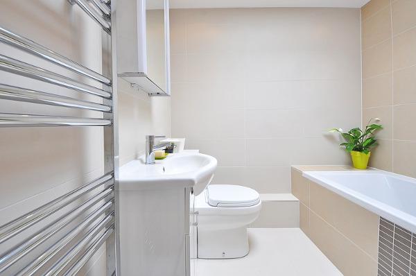 Vệ sinh nhà vệ sinh sạch nhanh hiệu quả -Dịch vụ vệ sinh Hảo Tâm